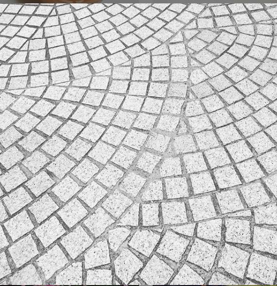 ピンコロ石 granite paving stone